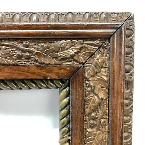 Antique-Vintage-Wood-Picture-Frame-Gesso-Resin-Vine-Berry-Egg-Dart-Art