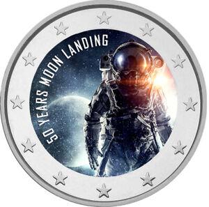 2-Euro-Gedenkmuenze-mit-Mondlandung-coloriert-mit-Farbe-Farbmuenze-Mond-Apollo