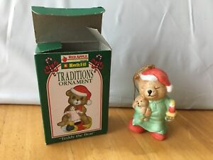 Red-Apple-Kwil-Fill-Traditions-Ornament-Teddy-The-Bear-Chrismas-Vintage-In-Box
