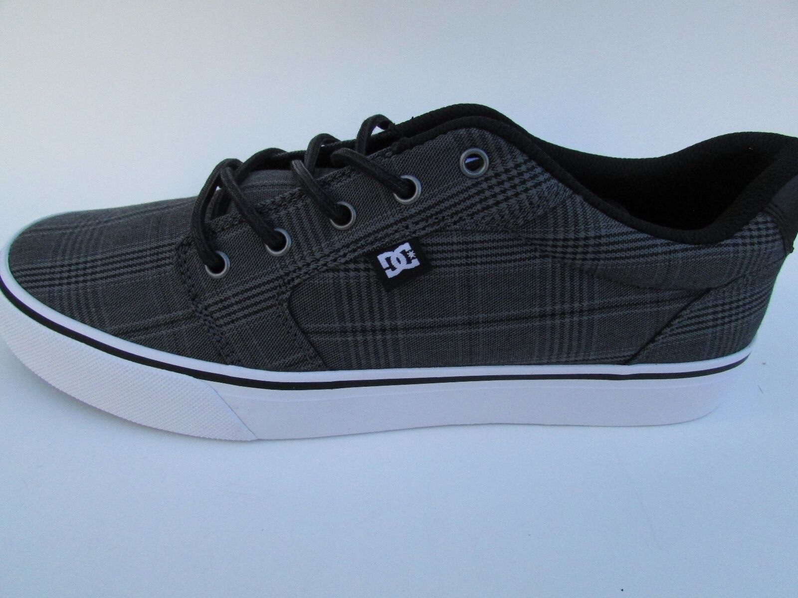 DC Men's Anvil TX SE Sneaker BLACK WHITE GREY (XKWS)  ADYS300036
