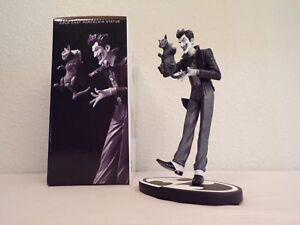 Batman-Black-and-White-The-Joker-brian-bolland-statue-DC-Comics