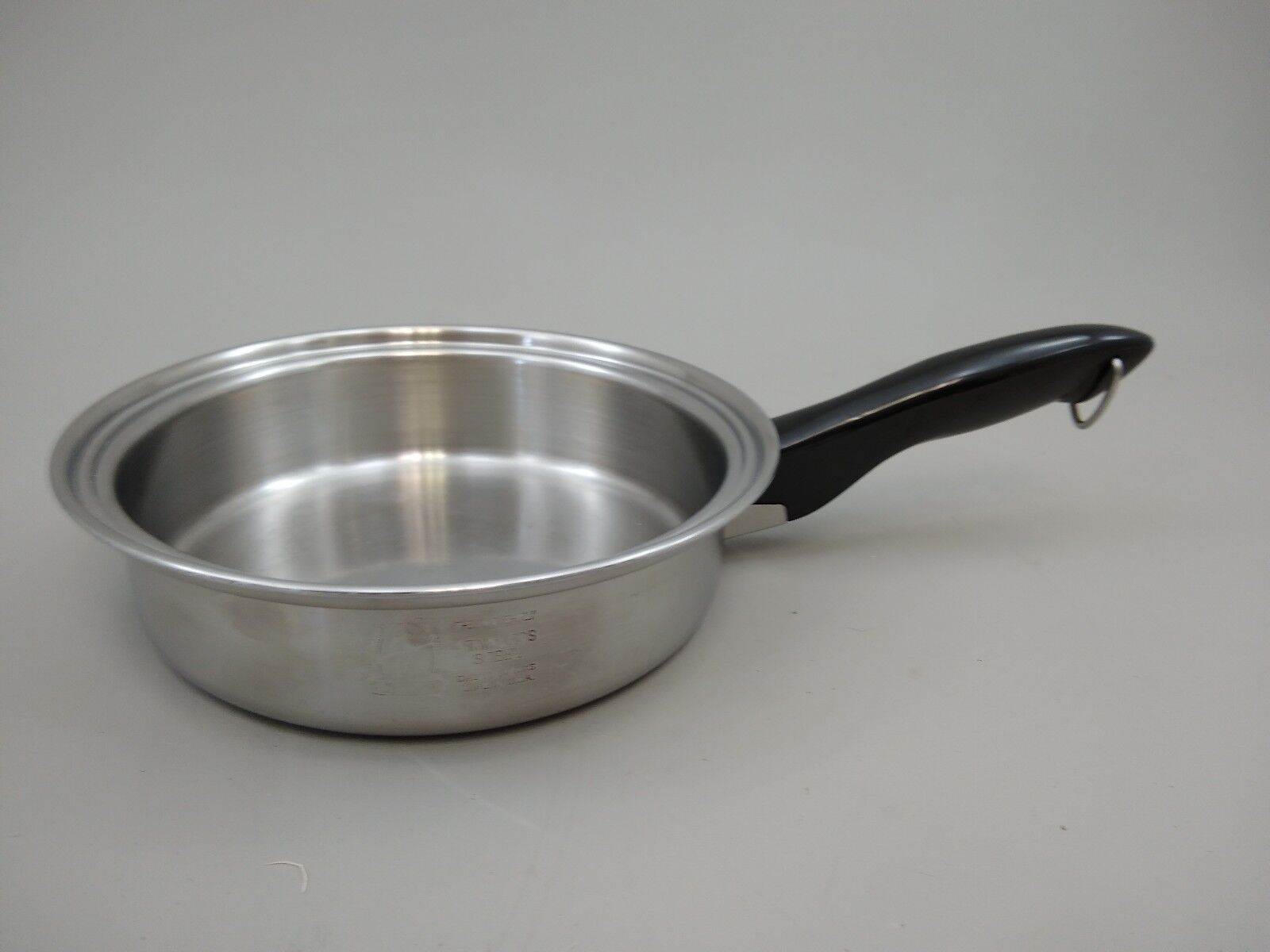 COLONIAL WARE Guarding Your Health Cookware 11 Inch Skillet - NO LID