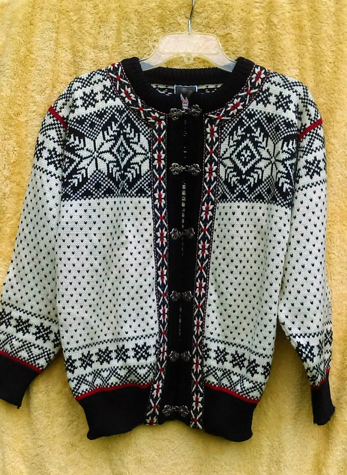 DALE NORWAY White bluee Red Wool Nordic Cardigan Sweater Pewter Clasp Ribbon S 40