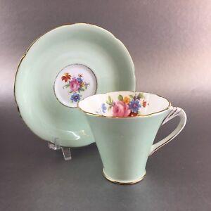 Vintage-Grafton-Mint-Green-Gold-Bone-China-Teacup-amp-Saucer-England-Tea-Cup