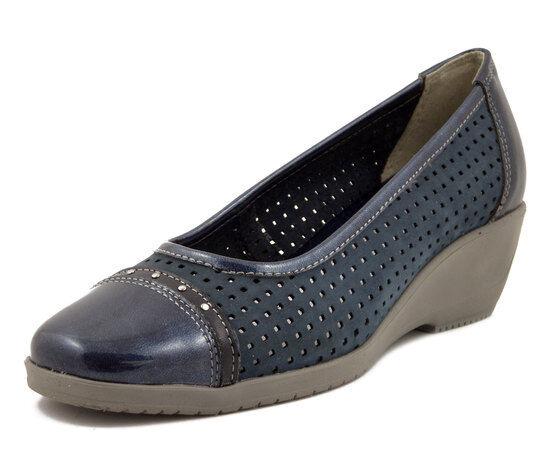 Decoltè comfort in nabuk traforato e pelle lucida blu, zeppa 4 cm, Westlake