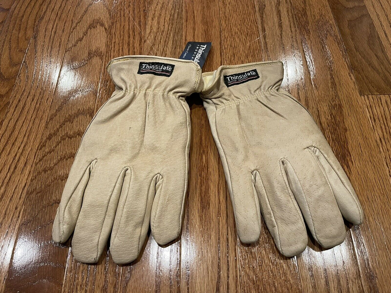 classic comfort cream color leather gloves soft fabric lining Thinsulate, Large