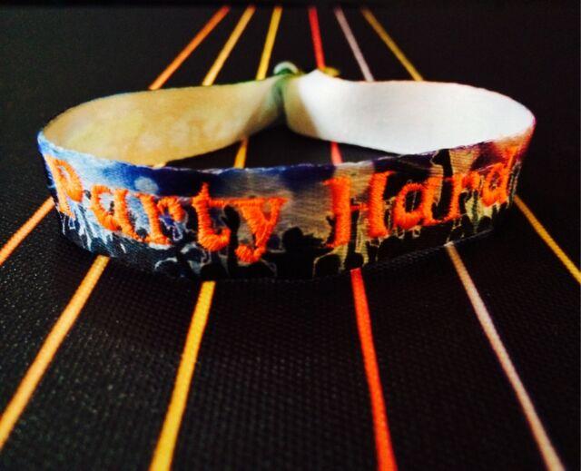 Cooles Festivalbändchen Stoffarmband *Party Hard* Wristler Original NEU