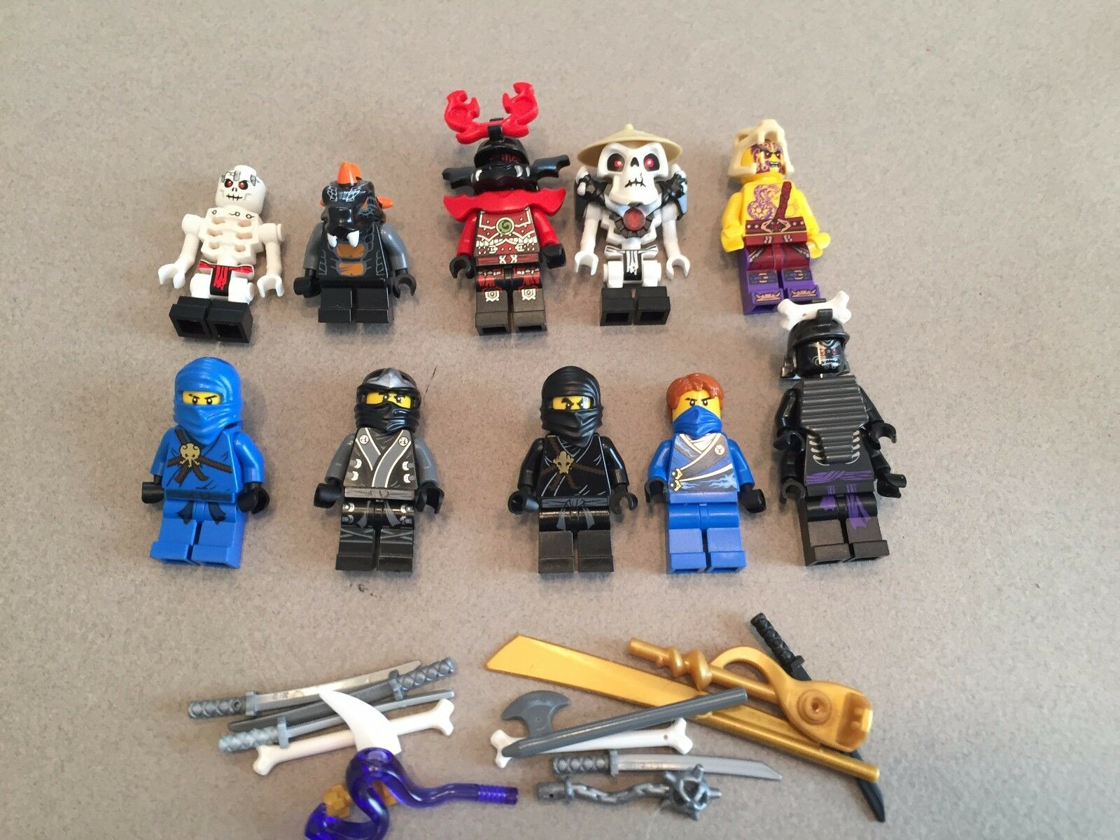 LEGO NINJAGO MINIFIG LOT of of of 10 MINIFIGS 4 Ninjas Weapons Lot N361 94571a