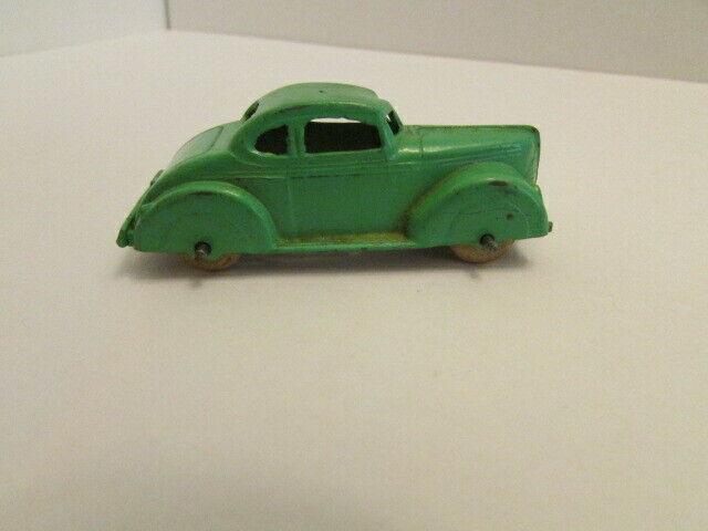 Vintage Diecast Tootsietoy Green Toy Car Grey Wheels