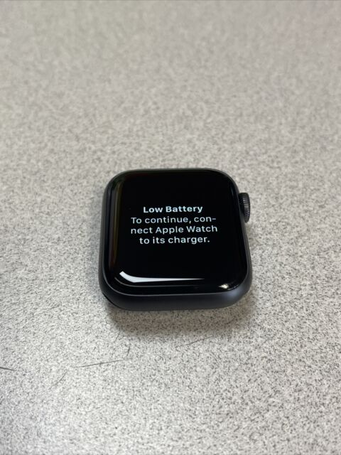 Apple Watch Series 5 - 40MM - Wi-Fi Only - Space Gray  - READ DESCRIPTION