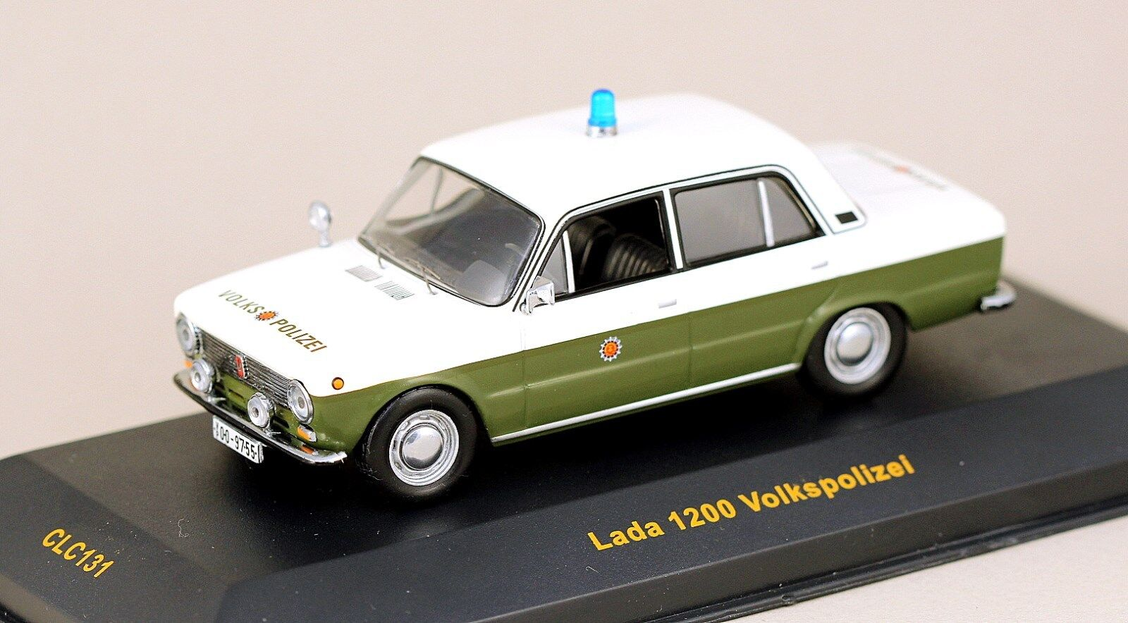 Échelle 1 43 IXO CLC131 Est-Allemand VAZ 2101 LADA Berline Volkspolizei Comme neuf IN BOX