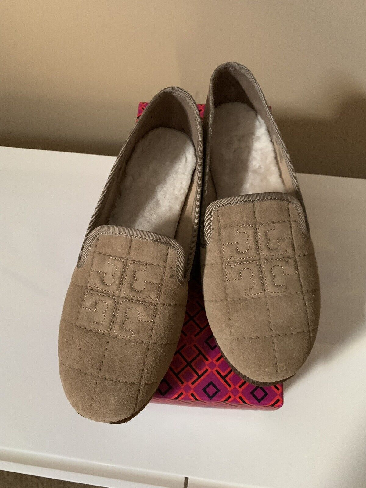 Brand New In Box Tory Burch Cowley Slipper - Camel - Dimensione 7
