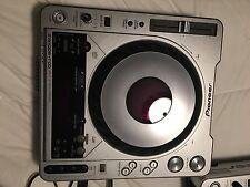 Pioneer CDJ-800 MK2 DJ Professional CD Turntables, Set of 2  USED
