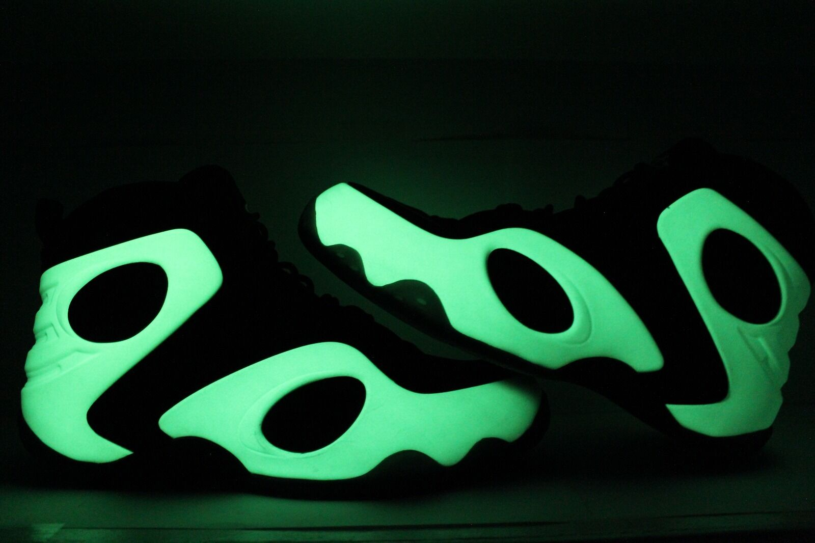 NIKE ZOOM ROOKIE FOAMPOSITE LUMINOUS Price reduction Seasonal price cuts, discount benefits
