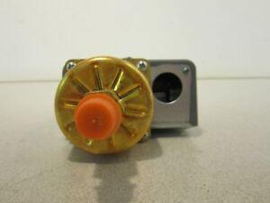 Pressure-Switch-833488-NSN-5930008841615