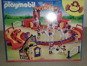 Grosse-Zirkus-Arena-mit-LED-Beleuchtung-neu-und-OVP-Playmobil-5057