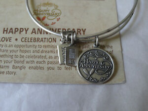 Wind-and-Fire-Happy-Anniversary-Charm-Silver-Wire-Bangle-Stackable-Bracelet-NEW