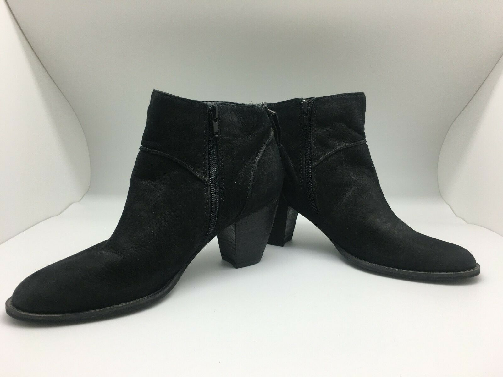 Tesori Classic Black Leather Ankle Booties With Small Heel Zipper Entry Size 8 M