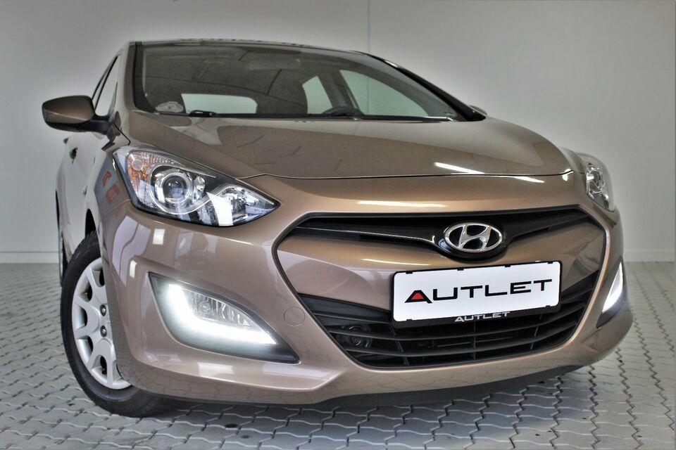 Hyundai i30 1,6 GDi Comfort Eco Benzin modelår 2013 km 81000