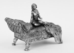 Tin-soldier-figure-The-girl-on-the-couch-54-mm