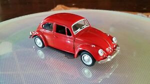 Modellino Maggiolino scala 1/32 giocattoli diecast in metallo tirare indietro