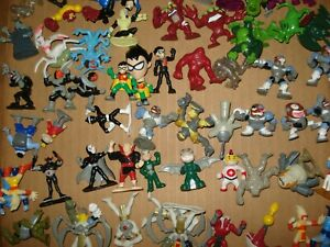 LARGE SELECTION BANDAI TEEN TITANS PVC MINI FIGURES WILL COMBINE SHIPPING