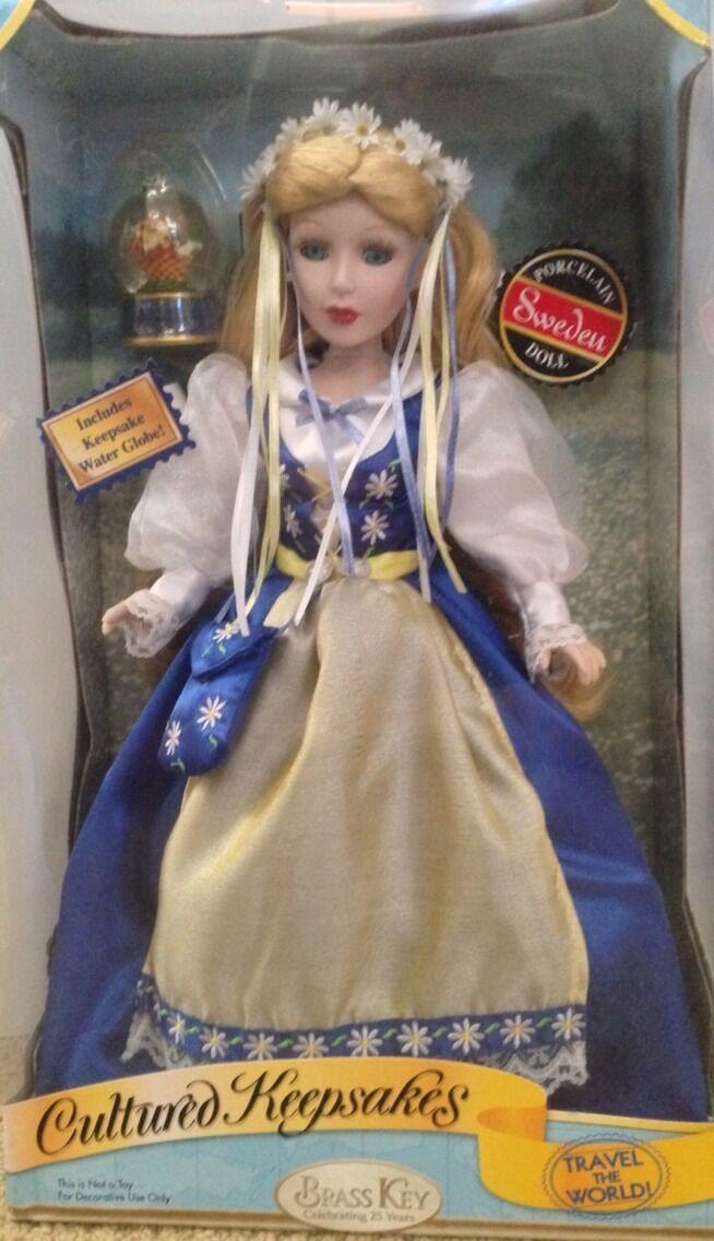 2006 Nuevo en Caja cultivadas recuerdos Suecia Muñeca De Porcelana Llave De Latón 25th aniversario