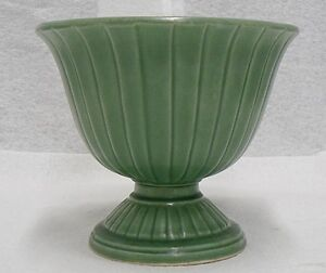 RED-WING-POTTERY-GREEN-FOOTED-VASE