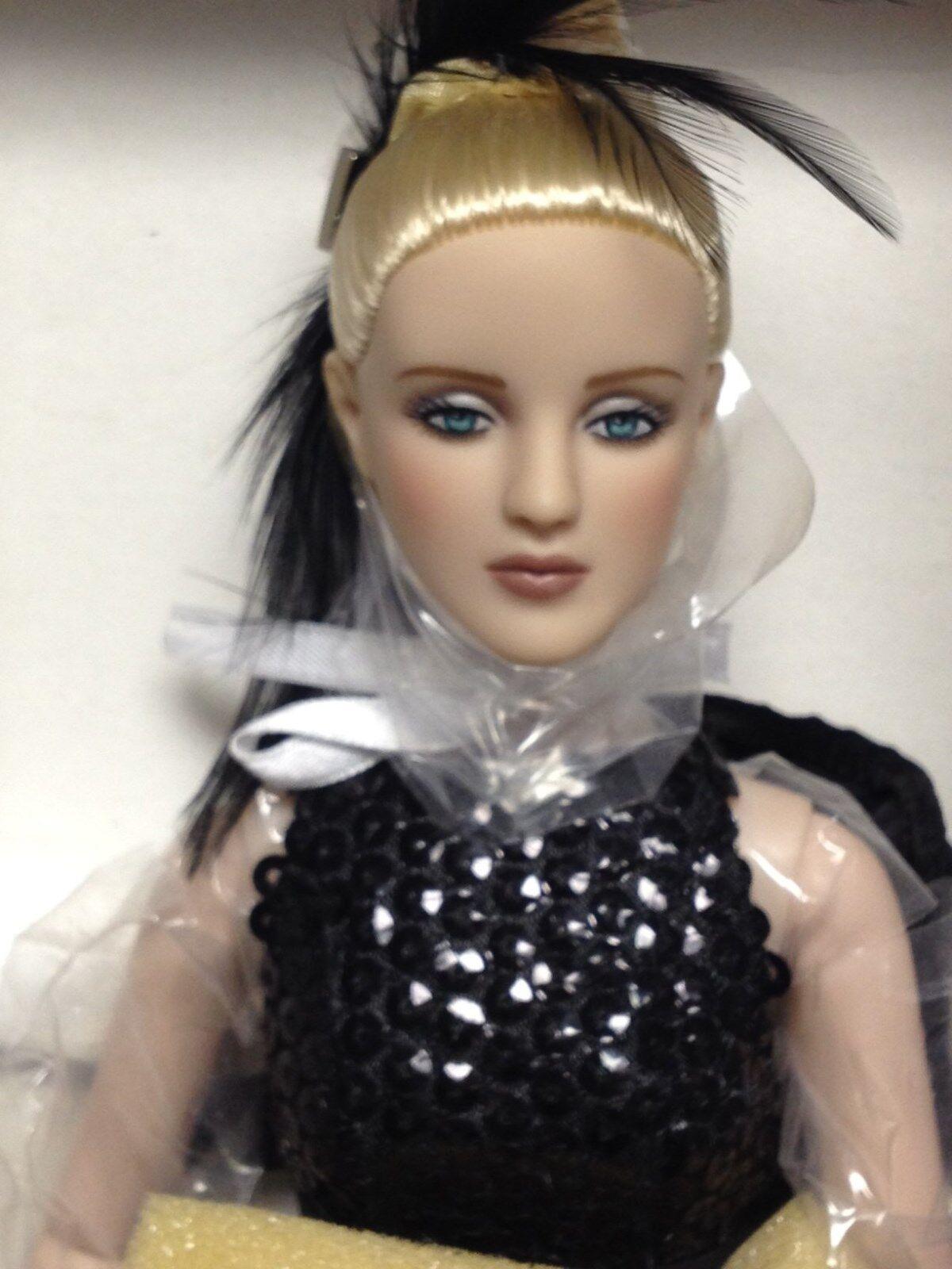 Tonner Tyler Cami 16  Antoinette Doll  Dramatic  NRFB LE 400