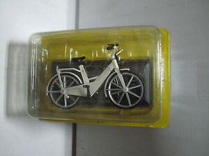 BIC058-ITERA-PLASTIC-BICYCLE-1982-BICICLETA-ESC-1-15-DEL-PRADO