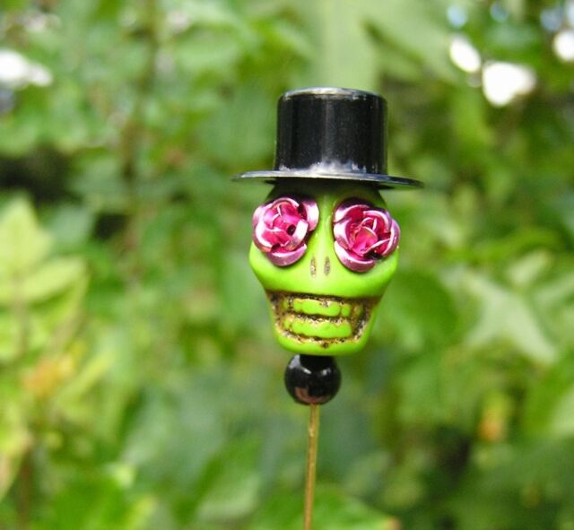 Day of the Dead Pin Groom Lapel pin skull wedding Gothic Tattoo Green pink roses