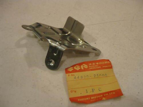 TS90 Suzuki NOS  TC90 Bracket # 44820-25000   S14 1970 to 1972