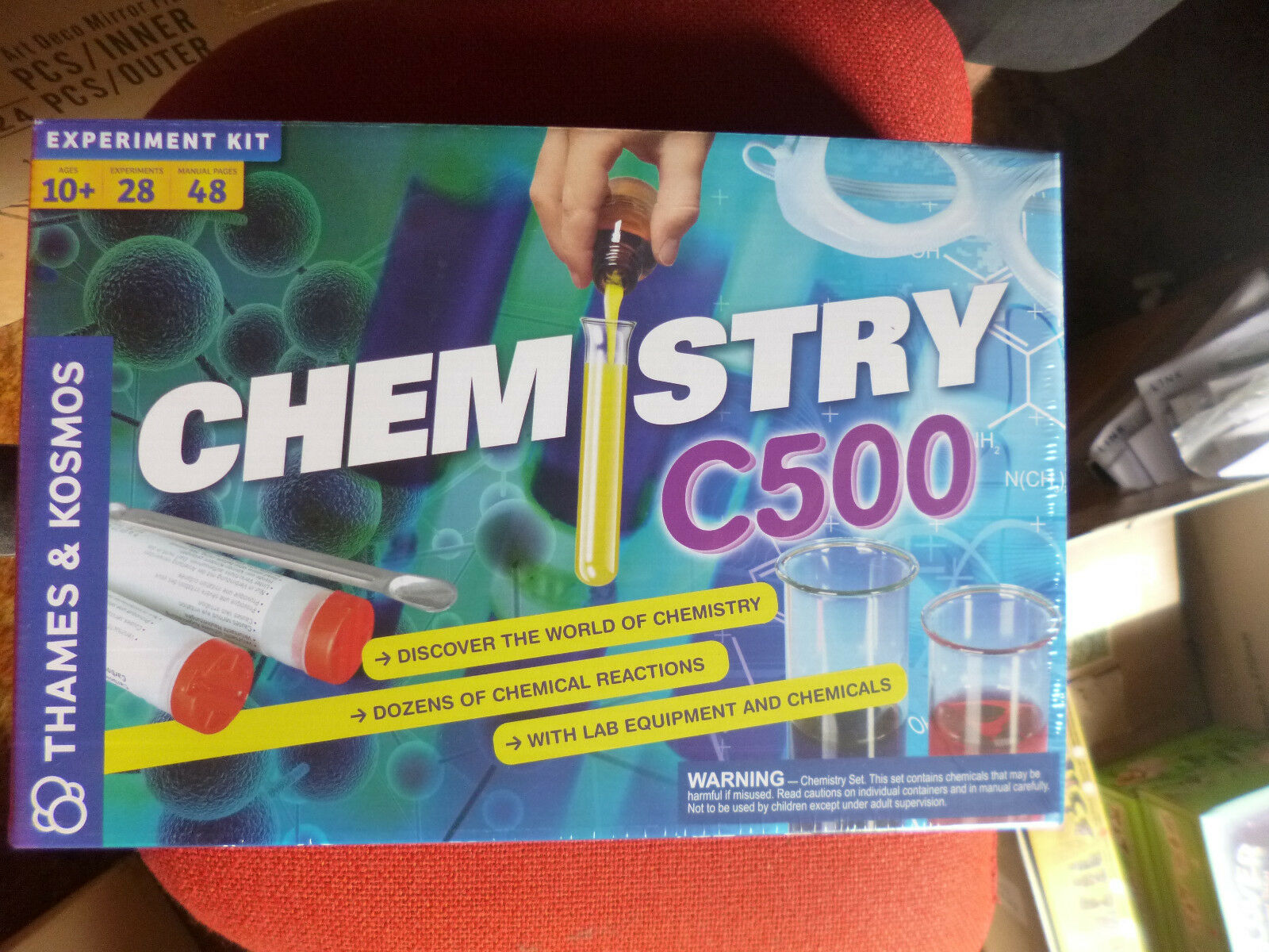 THAMES & KOSMOS CHEMISTRY CHEM C500 DISCOVERY SCIENCE KIT 28 EXPERIMENTS