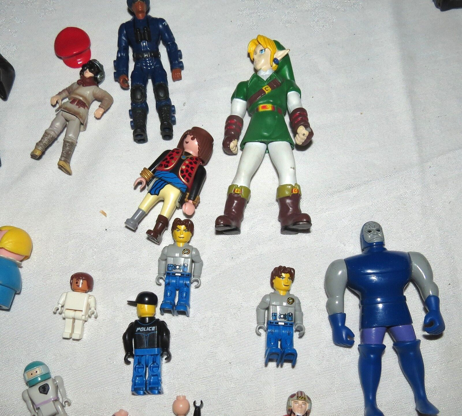 Mixed Group of About About About 50 People Figurines Sesame Street Lego Harry Potter more f2e331