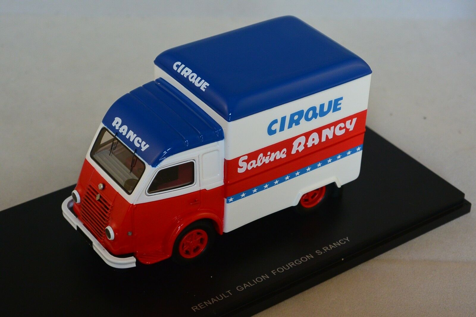 PERFEX 104RA - Renault Galion 2.5 T Fourgon Cirque Sabine Rancy 1 43