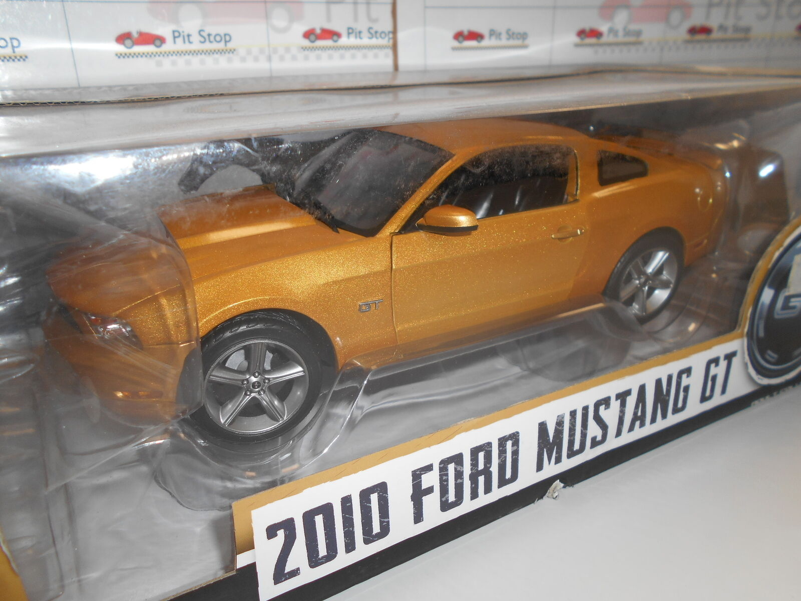 GL12870 by verdeLIGHT FORD MUSTANG GT 2010 1 18