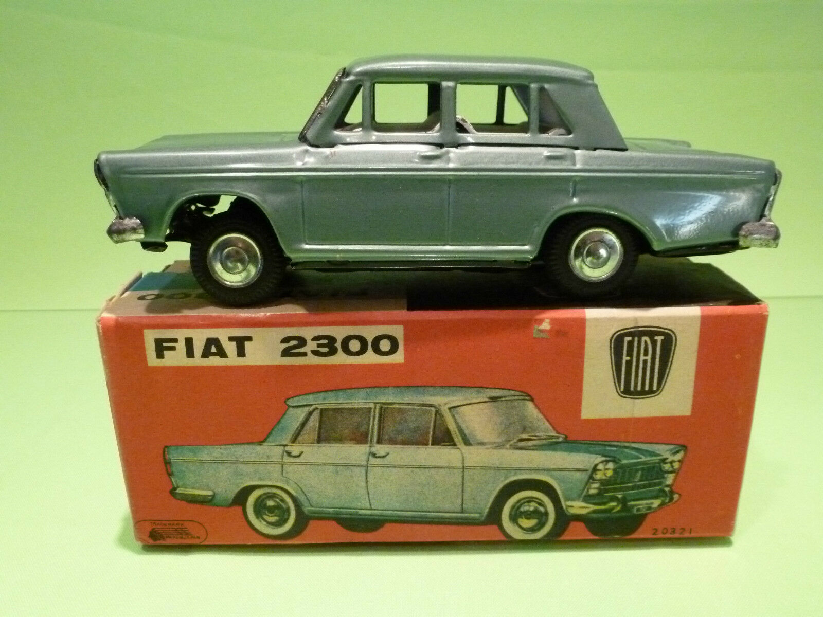 20321  JAPAN  FIAT 2300 - IN ORGINAL BOX - VINTAGE   - IN GOOD  CONDITION