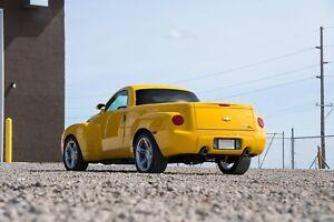 2005 Chevrolet SSR.  READ AD