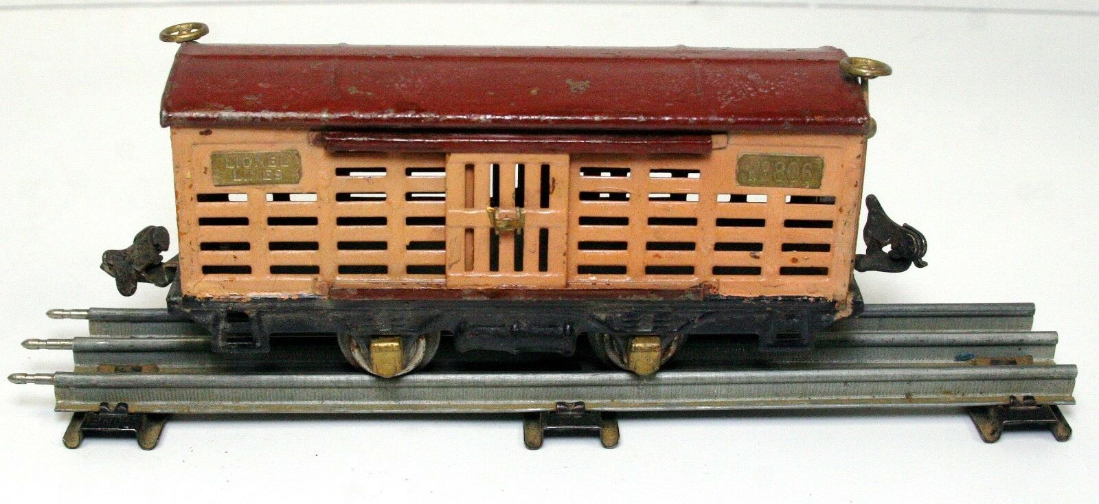 Lionel Pre-WW2 806 cattle car, Tan and Brown