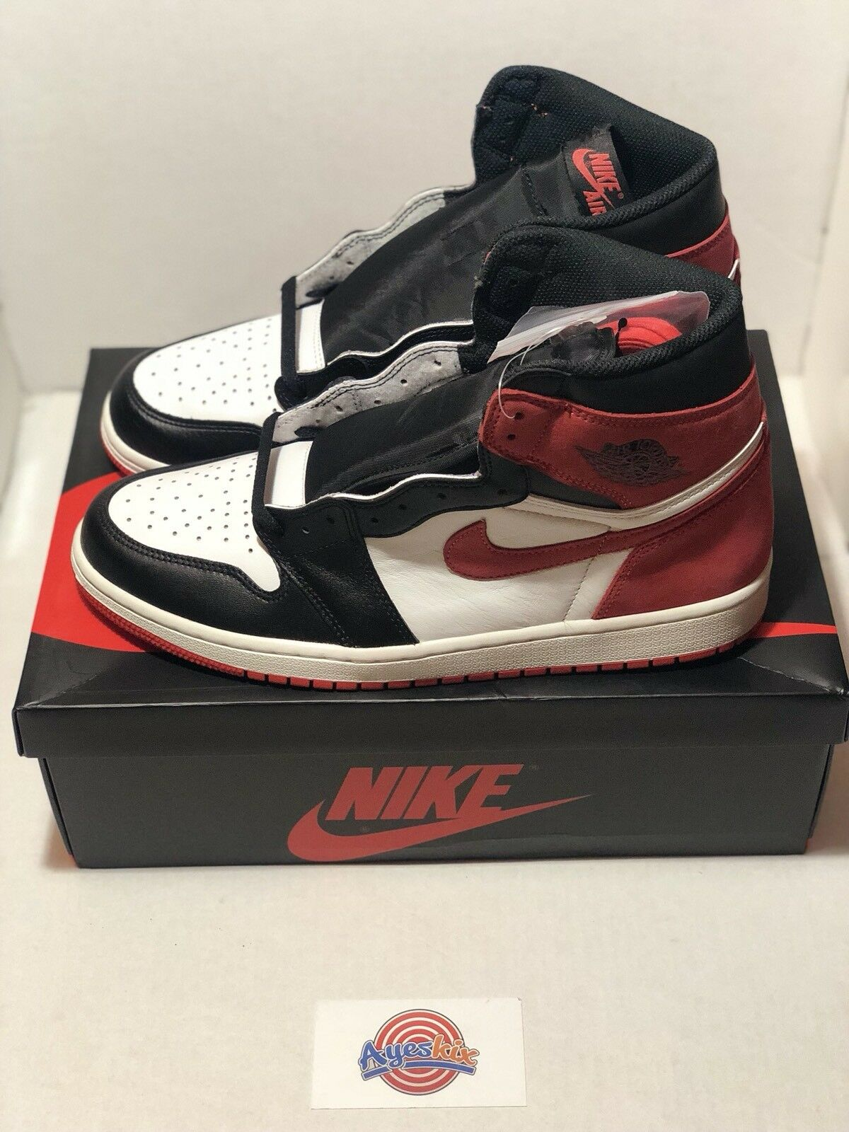 new style 5ad4c 73246 Air Jordan 1 Retro High Track Red Red Red 555088-112 Size 12 In Hand