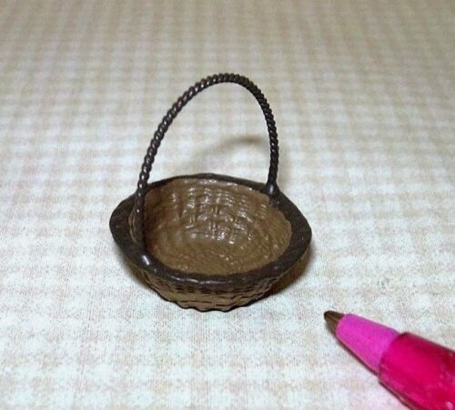 Miniature Round Metal Easter-Type Basket with Handle DOLLHOUSE 1:12