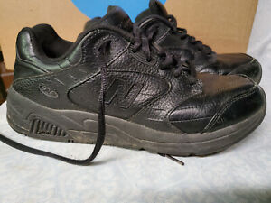 Size 9.5 B 926 Walking Shoes