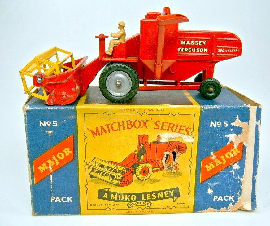 MatchBox Major Verpackung M5A Combine Harvester rot silberne Felgen mit Box Ruine