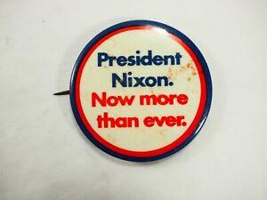 Presidentes-Nixon-ahora-mas-que-Ever-Campaign-Pin-Parte-Trasera-Boton-1972