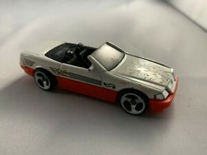 HOT-Wheels-MERCEDES-BENZ-SL-1999-Mainline-da-Collezione-Diecast-scala-1-64