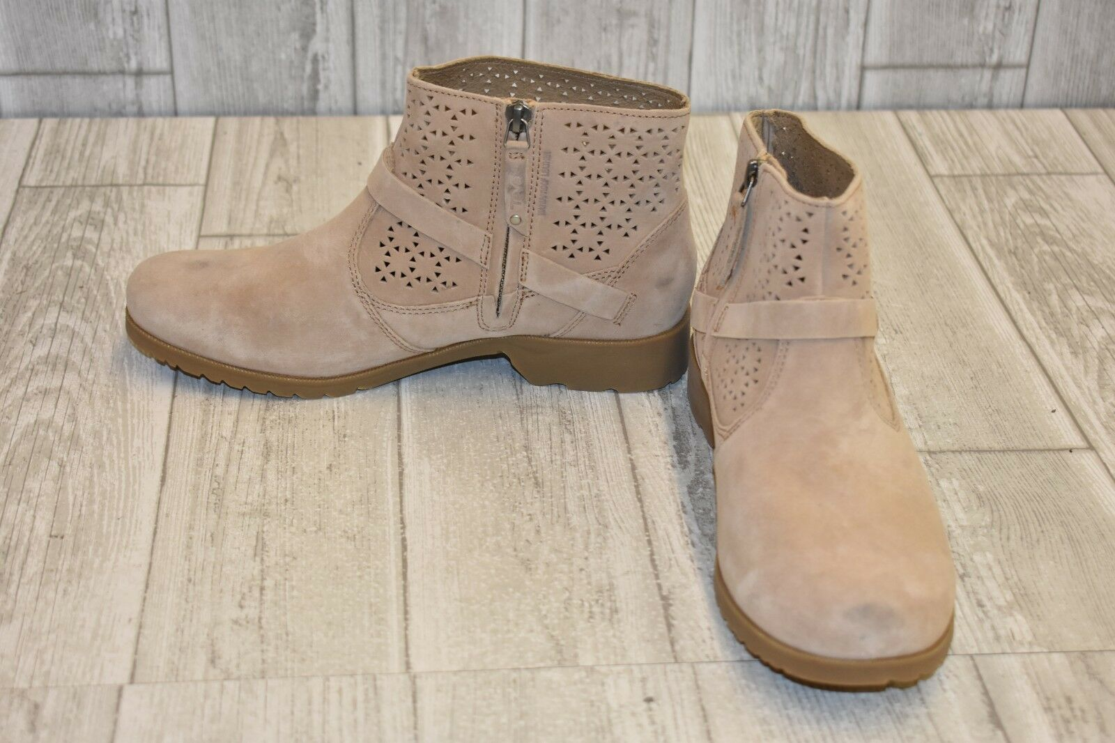 Teva Delavina Perforated Ankle Boot, Women's Size 8.5, Tan