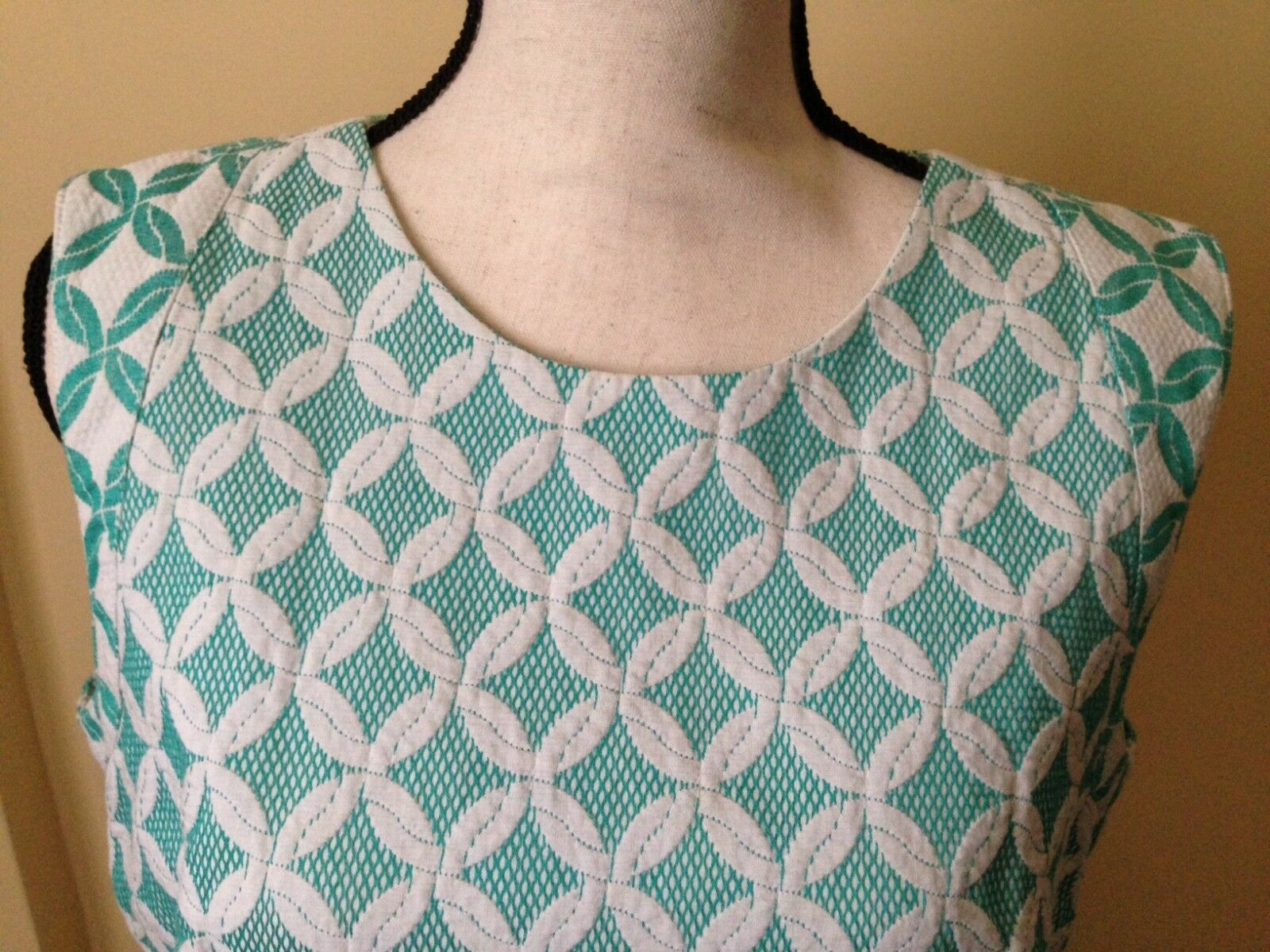 Phoebe Couture Green and White Sleeveless Dress Size 14