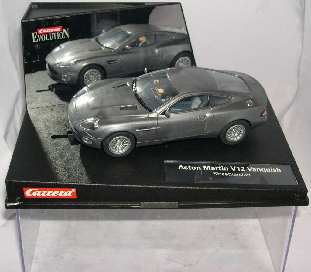 CARRERA EVOLUTION 25701 SLOT CAR ASTON MARTIN V12 VANQUISH JAMES BOND 007 MB