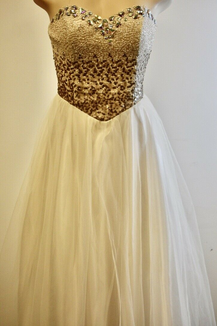 Steppin Out White Lace Beaded Long Fancy Dress Size Medium On Sale sn