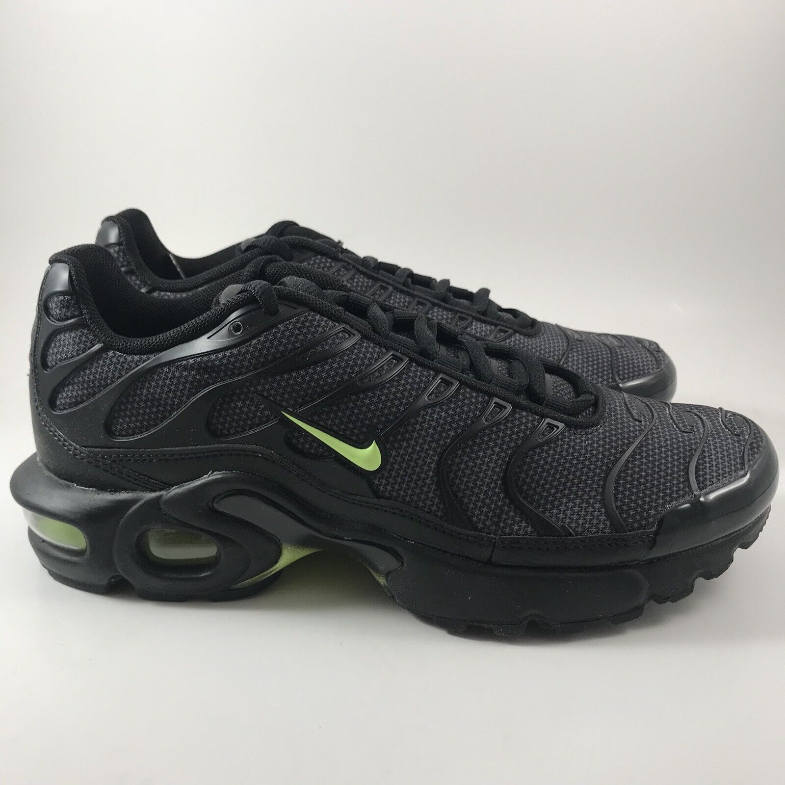 Nike Air Max Plus TN Tuned 1 GS Neon Black Volt Youth Shoes Size ...